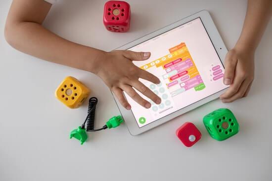 子供がプログラミング教育を受けるメリット