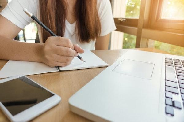プログラミングの勉強は何歳から?年代別おすすめ学習方法を紹介