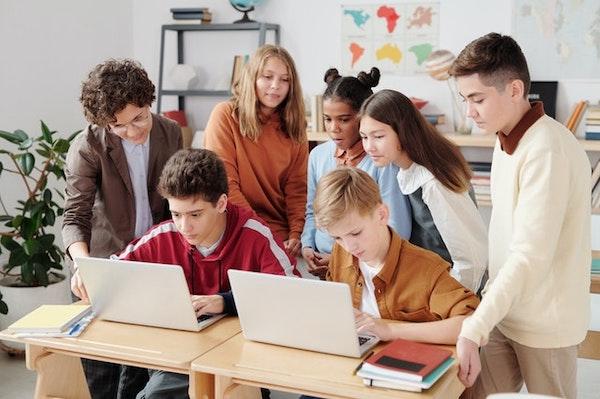 子どもにプログラミング教育を受けさせる際の注意点