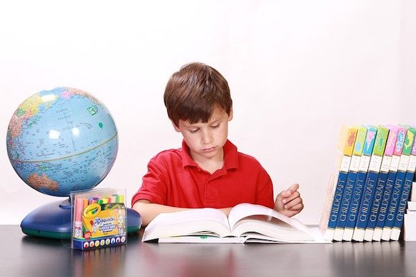 子どものうちにプログラミング教育を受けるメリット